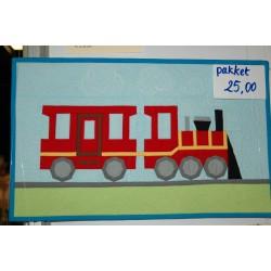 Pakket locomotief met wagon